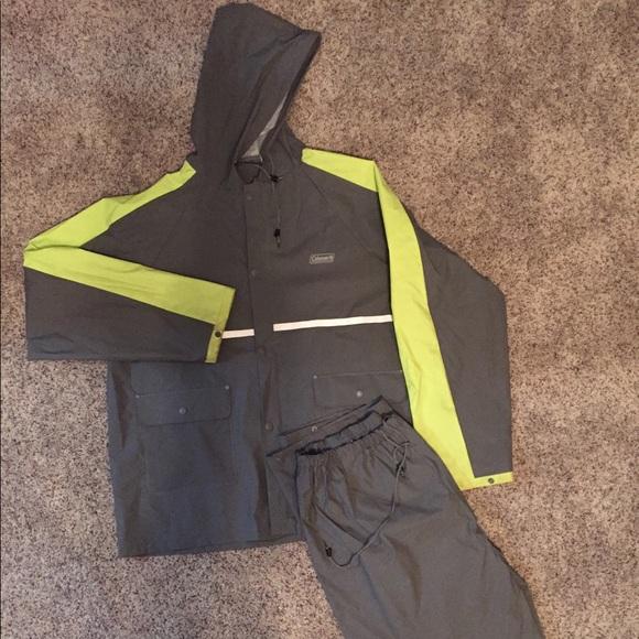 Coleman Rain Defense PVC Rain Suit Blue Size MEDIUM 2 piece Pants /& Jacket Coat
